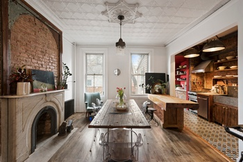 CLASSIC 20' TOWNHOUSE...ADORNED WITH HISTORIC DETAILS